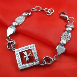 دستبند زنانه زنجیری نگین دار طرح سنجاقک مدل B137