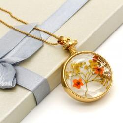 گردنبند شیشه ای گل خشک دایره ای با گل های نارنجی مدل N190