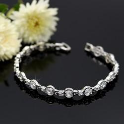 دستبند زنانه نگین دار استیل با رنگ نقره ای مدل B175