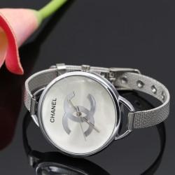 ساعت مچی دخترانه استیل با رنگ نقره ای و صفحه بزرگ مدل F184