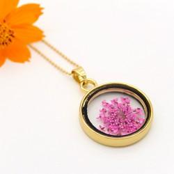 گردنبند شیشه ای گل خشک دایره ای با گل های بنفش مدل N184