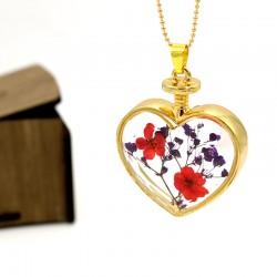 گردنبند شیشه ای گل خشک طرح قلب با گل های قرمز مدل N212