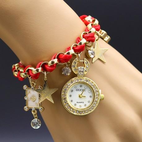 ساعت مچی بندی با آویز ستاره و نگین رنگ قرمز مدل F141