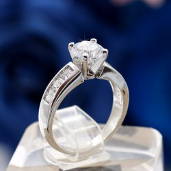 انگشتر زنانه نگین دار ظریف ژوپینگ با رنگ نقره ای مدل R119