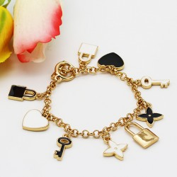 دستبند فانتزی زنانه با آویزهای قلب و قفل و کلید مدل B209