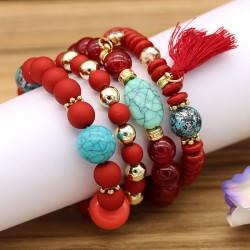 دستبند دخترانه چند تایی با سنگ های قرمز و زرشکی و فیروزه ای مدل B226