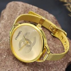 ساعت مچی زنانه استیل طرح بی نهایت با رنگ طلایی و صفحه بزرگ مدل F185