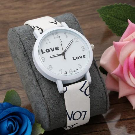 ساعت مچی دخترانه با بند چرمی و صفحه سفید رنگ طرح Love مدل F193