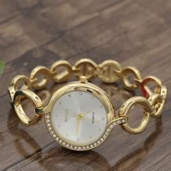 ساعت مچی دخترانه استیل نگین دار با رنگ طلایی و صفحه سفید مدل F195