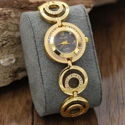 ساعت مچی زنانه استیل نگین دار با رنگ طلایی و صفحه مشکی مدل F197