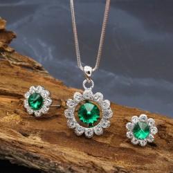 نیم ست زنانه کریستالی با رنگ نقره ای و سبز مدل T220