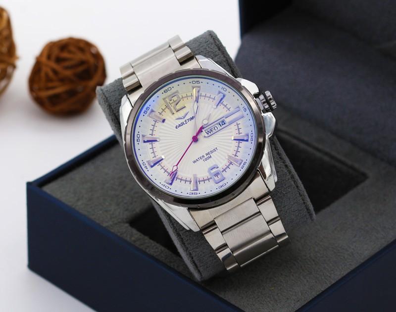 ساعت مچی مردانه استیل با رنگ نقره ای و صفحه سفید دارای تقویم مدل F202
