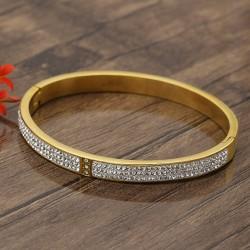 دستبند النگویی زنانه شیک نگین دار جنس استیل با رنگ طلایی مدل B288