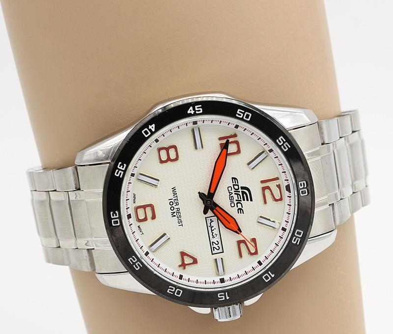 ساعت مچی مردانه شیک استیل رنگ نقره ای دارای تقویم و ضدآب برند کاسیو مدل F212
