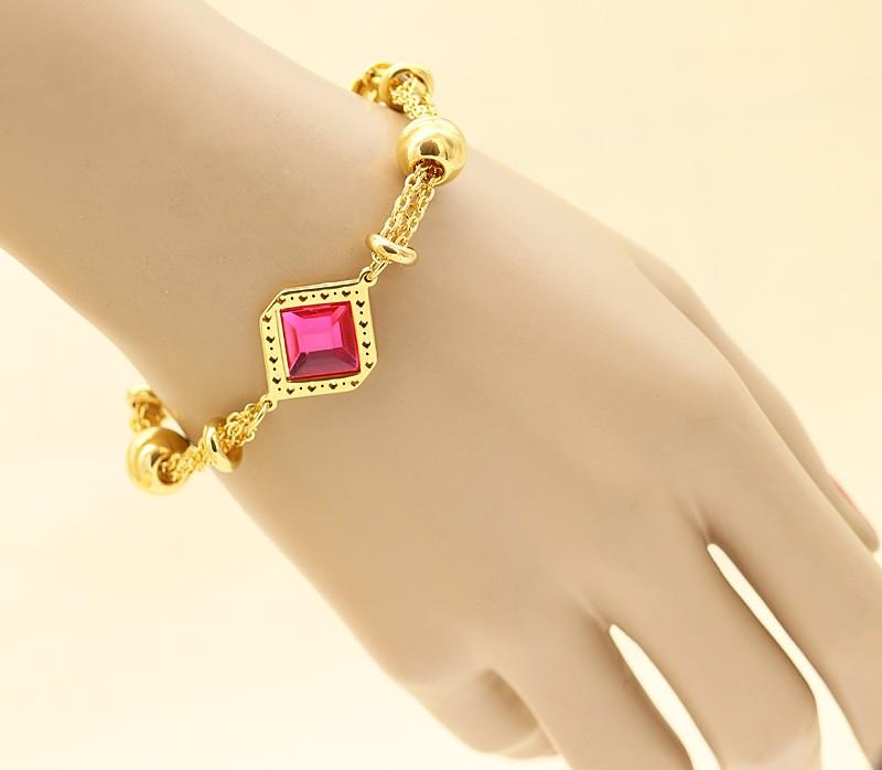 دستبند دخترانه زنجیری با سنگ صورتی و جنس استیل مدل B309