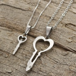 گردنبند عشق و دوستی دو پلاکه طرح کلید جنس استیل مدل N449