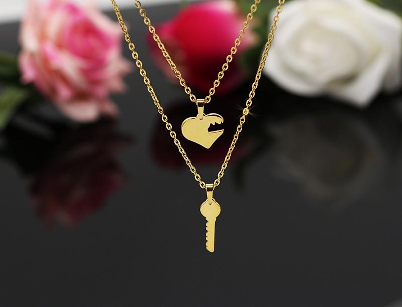 گردنبند دو زنجیره استیل طرح قلب و کلید مدل N451