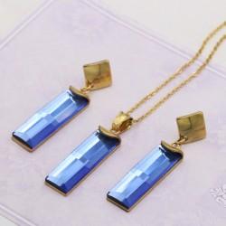 نیم ست دخترانه کریستالی با آویز های مستطیلی آبی رنگ مدل T259