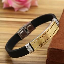 دستبند مردانه با بند لاستیکی و بدنه استیل طلایی مدل B322
