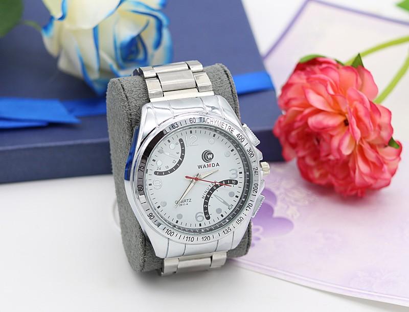 ساعت مچی مردانه شیک استیل نقره ای رنگ ضدآب مدل F238