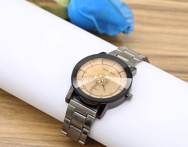 ساعت مچی اسپرت با بند مشکی و صفحه ی قهوه ای مدل F245