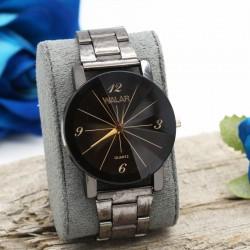 ساعت مچی اسپرت با بند و صفحه ی مشکی مدل F249