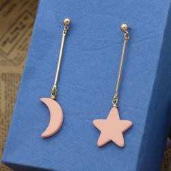 گوشواره فانتزی با طرح ستاره و ماه با رنگ طلاییو صورتی مدل E179