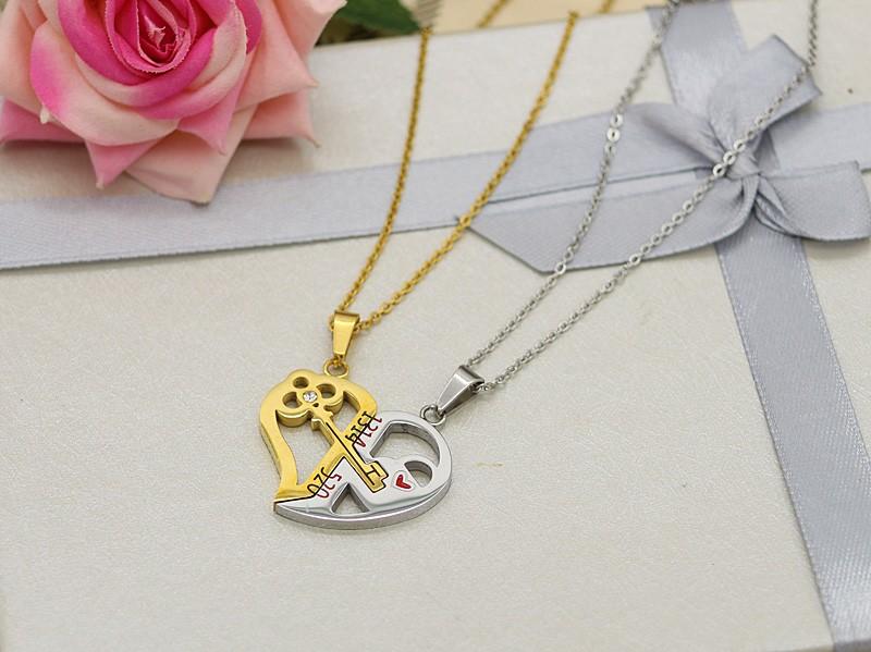 گردنبند دوستی دو پلاکه طرح قلب جنس استیل طلایی و نقره ای مدل N521