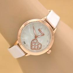 ساعت مچی دخترانه شیک با بند چرم سفید و طرح قلب مدل F286