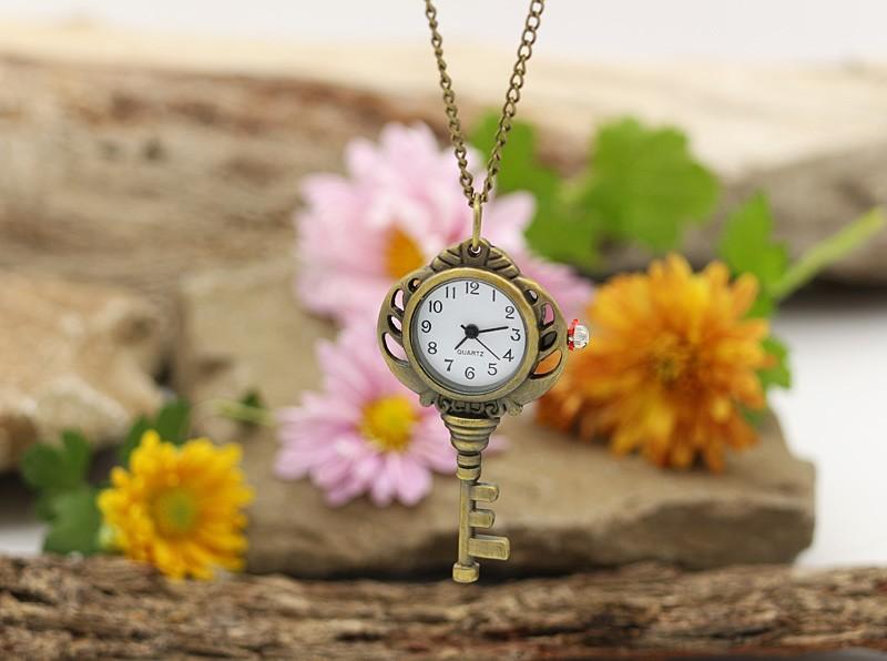 گردنبند ساعتی رومانتویی با طرح کلید مدل N618