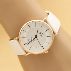 ساعت مچی زنانه با بند سفید مدل F333