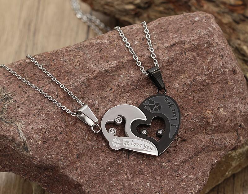 گردنبند دوستی دو پلاکه طرح قلب جنس استیل نقره ای و مشکی مدل N634